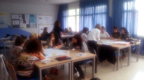 Profesoras trabajando en equipo